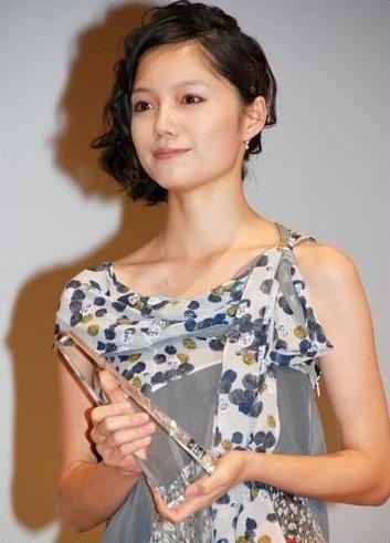 Aoi_Miyazaki_2009_Elan_D'or_Awards.jpg